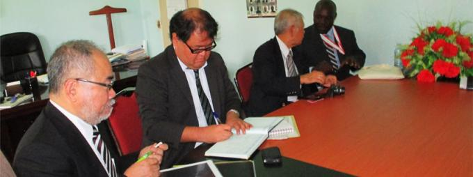 The delegation from Tottori University visits CHUSS