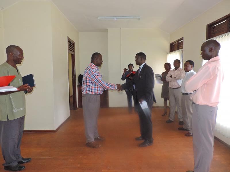 The Contractor hands over keys for the premises